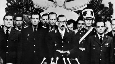 La junta militar tomaba el poder en Argentina en 1976, preludio de la época más sangrienta de la historia nacional. (Archivo).