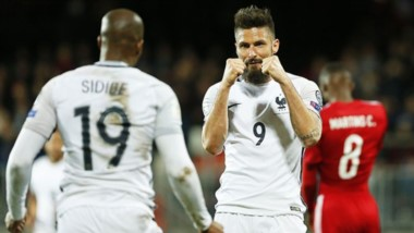 Francia gana en Luxemburgo con doblete de Giroud y sigue líder de su grupo.