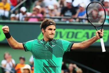 Con casi 36 años, Federer es semifinalista en Miami y amplia a 339 el récord de triunfos en Masters 1000.