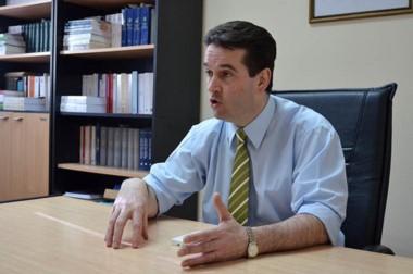 El juez Jorge Criado, de Esquel, reprochó los malos discursos políticos.