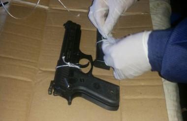 Operativo. Una postal del resultado del procedimiento policial que halló evidencias contra la banda.