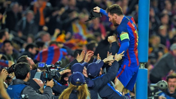 """El loco festejo de """"Lio"""". Barcelona hizo lo que parecía imposible y echó al PSG en una noche histórica."""