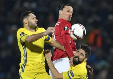 Ibrahimovicm que había sido nombrado jugador del mes de febrero en el United, no pudo anotar.