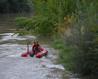 Ayer continuaron las maniobras de búsqueda tanto por agua como por tierra. No hubo resultados.