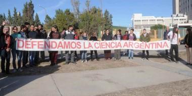 La Asamblea de investigadores decidió recordar en su día el reclamo contra las políticas nacionales.