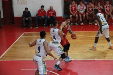 Atenas hizo un partidazo en Concepción del Uruguay para derrotar 78 a 68 a Rocamora.