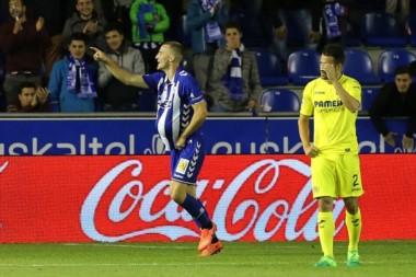 Alavés venció como local a Villarreal por 2 a 1.