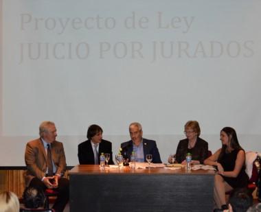 Pérez Galimberti, Harfuch, López y Hans, los disertantes. (Foto: Alberto Evans / Jornada)