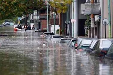Más de cuatro mil personas fueron evacuadas por fuertes lluvias.