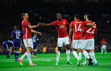 El United consiguió el objetivo pero sufrió la lesión de Ibrahimovic.