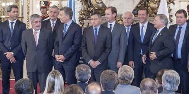 Juntos. Das Neves y el mandatario nacional compartieron otro acto en la Casa Rosada con gobernadores.