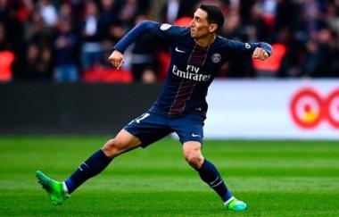 PSG venció 2-0 a Montpellier y le sacó 3 puntos al Monaco, con 2 partidos más.
