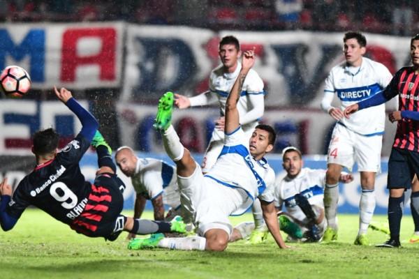 Golazo de Blandi para marcar el primer gol del Ciclón en el Nuevo Gasómetro.