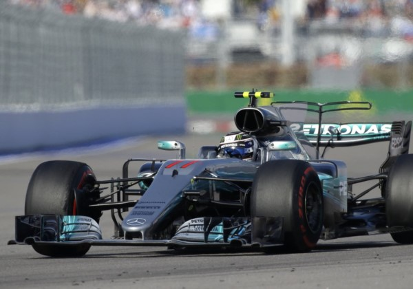 Valtteri Bottas estrena su palmarés de victorias en la Fórmula 1 tras un vibrante final.