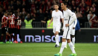 Un domingo negro tuvo el PSG. Di María además se fue expulsado.