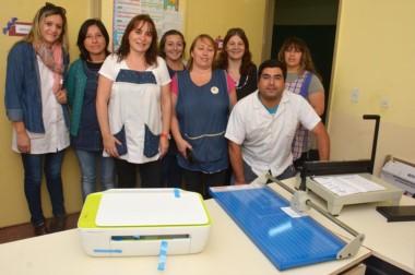 Los docentes se mostraron complacidos por la tarea de la Fundación IARA y el importante aporte recibido.