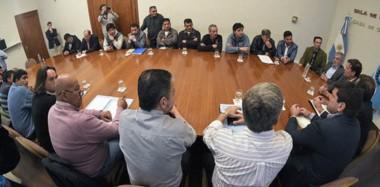 Mesa Textil. En Rawson se dio el encuentro entre los funcionarios provinciales, Nación, los empresarios y sindicatos del sector textil.