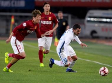Tevez fue titular en la derrota del Shanghai. Acumula 3 partidos sin victorias.