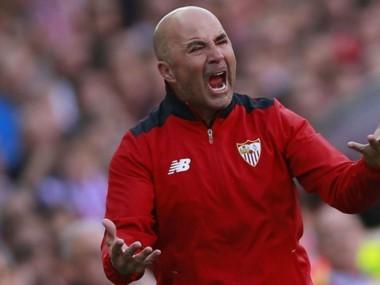 Pese a los dos goles de Vázquez, Sevilla cayó ante Málaga 4-2 y todavía no se aseguró su presencia en la próxima Champions.