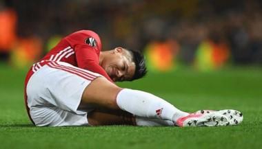 Rojo se lesionó ante Anderlecht, será operado de la rodilla y se perderá todos los partidos restantes de las Eliminatorias.