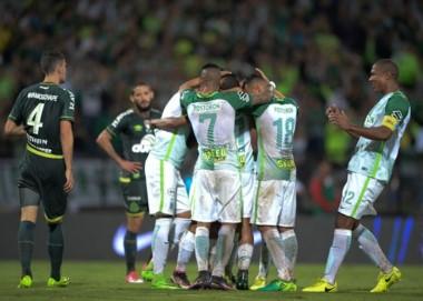Nacional es el nuevo campeón de la Recopa Sudamericana:  goleó 4-1 a Chapecoense y dio vuelta el 1-2 de la ida.