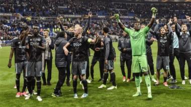 jax pasa a la final de la Europa League tras jugar con fuego en Lyon.