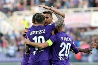 Fiorentina logró la remontada en un partido abierto e igualó a Milan por la sexta plaza.