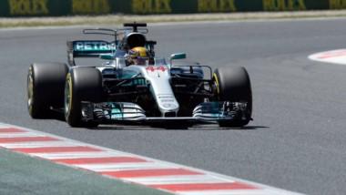 Pole de Hamilton en Barcelona. Solo 0.051seg. más rápido que Vettel.