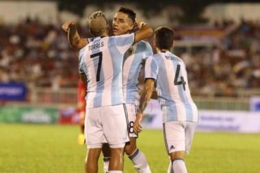 Argentina goleó a Vietnam y espera su debut para en el Mundial de Corea del Sur.