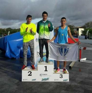 Podio con el atleta esquelense Joaquín Arbe en el primer puesto.