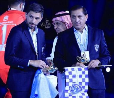 El entrenador riojano gana un nuevo título en Arabia Saudita y ya acumula 12 títulos en su carrera como DT.