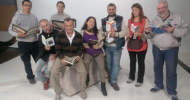El personal que participa del proyecto. Entre ellos hay narradoras orales, escritoras y bliotecarias.