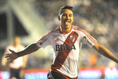 El goleador de River, Driussi, se recuperó y será titular ante Racing.