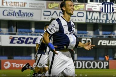 Talleres, con gol de penal de Klusener, viene de ganar por Copa Argentina. Hoy va por Atlético Tucumán en el torneo.