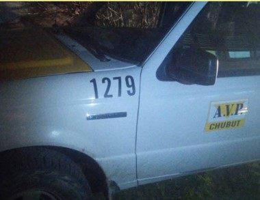 Camioneta oficial. Postal del vehículo donde fueron sorprendidos.