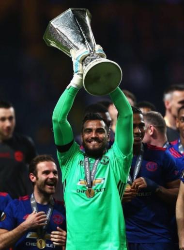 Romero con Manchester United esta temporada: 18 juegos, 12 arco invicto, y sufrió  6 goles.