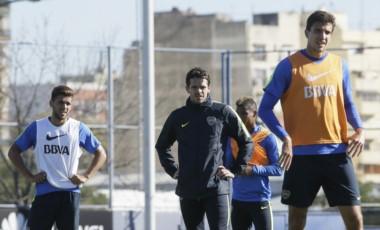 La noticia del día se vio durante el trabajo táctico: Lisandro Magallán formó dupla central junto a Tobio.