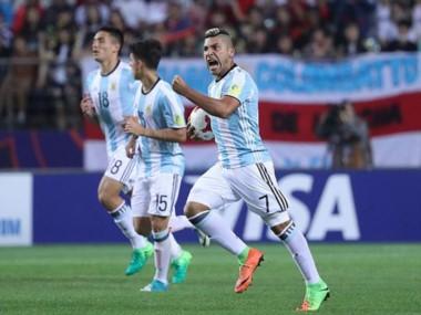 Argentina necesita golear a Guinea para tener chances de clasificar.