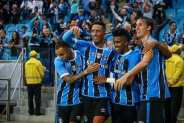 Gremio goleó 4-0 a Zamora y clasifica a octavos como primero del Grupo 8.