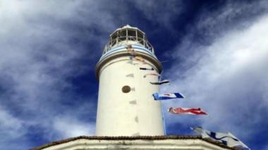 La torre lumínica fue inaugurada el 25 de mayo de 1887 (foto Río Negro)