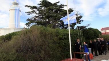 La ceremonia coincidió con el 25 de Mayo (foto Río Negro)