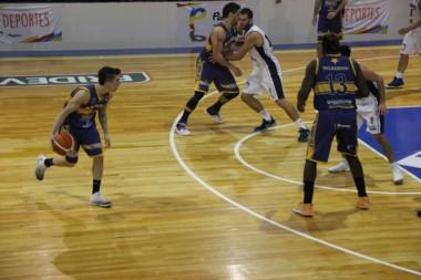 Atenas ganó los dos juegos en Patagones y se mantiene con vida en la final sureña.