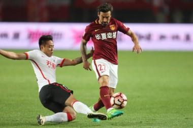 El Pocho Lavezzi abrió la cuenta para el Hebei frente al Changchun Yatai en la Superliga de China.