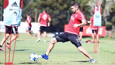Alario y Moreira jugarán en Tucumán y cumplirán la sanción contra San Lorenzo.