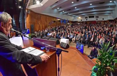 Presentación. Das Neves ratificó su posición contra la megaminería y contra el emprendimiento nuclear.