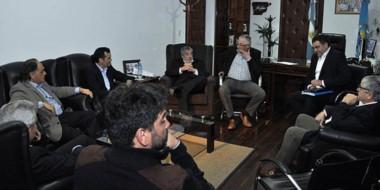 Proyecto. El encuentro entre el gobernador Das Neves y los empresarios españoles y de la provincia.