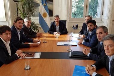 Seriedad. El encuentro de las cúpulas nacional y provincial en busca de oxígeno para la región sureña.