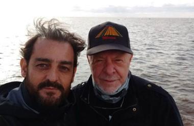 Bubas y Gieco, que en septiembre le cantará a las ballenas dese playa Canteras.