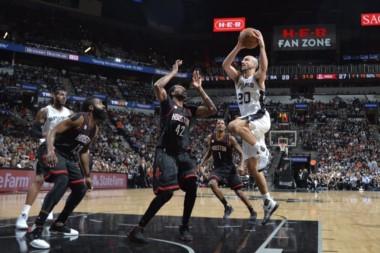 San Antonio Spurs igualó la serie ante Houston Rockets en semifinales del Oeste.