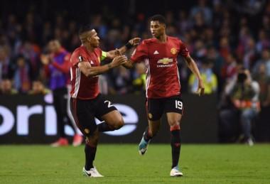 Con un golazo de tiro libre, Rashford le dio el triunfo al United en la ida en España.